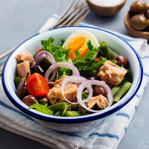 Salată cu ton și fasole verde