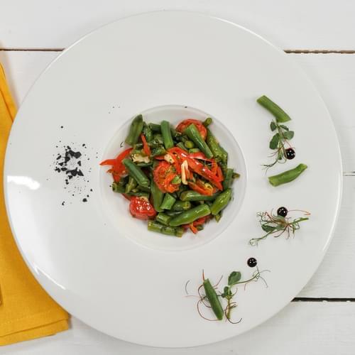 Zelene mahune s paradajzom i koprom