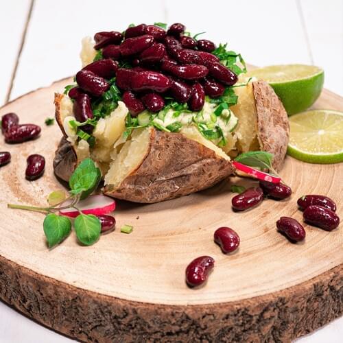 Pečeni krumpir s avokadom i crvenim grahom