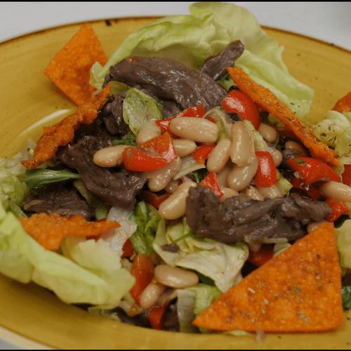 Salata s goveđim rezancima i bijelim grahom