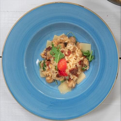 Risotto cu ciuperci, roșii deshidratate și rucola