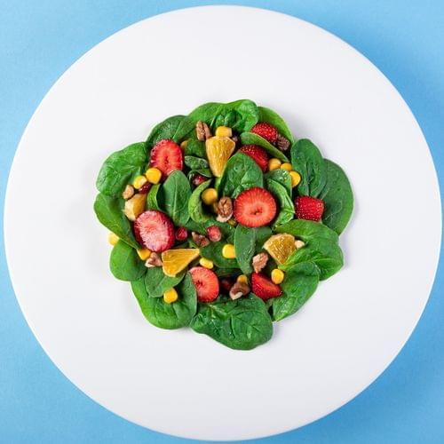 Salată cu porumb bio și fructe