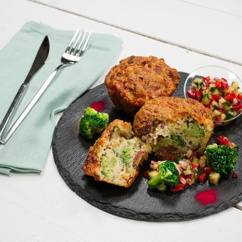 Brioșă cu broccoli și chorizo