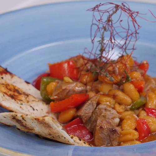 Vită cu fasole boabe în sos curry