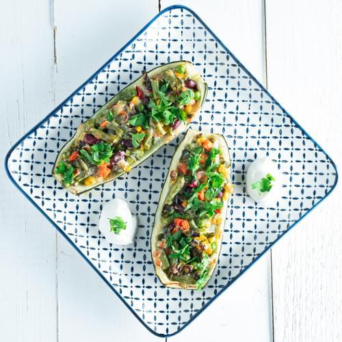 Zucchini umpluți cu legume