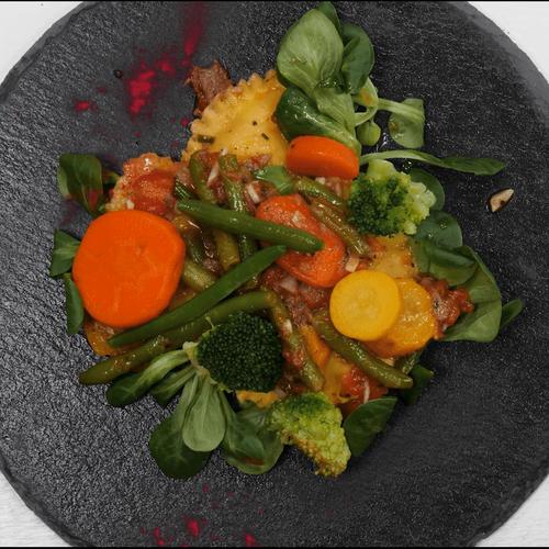 Равиоли с сыром и весенними овощами