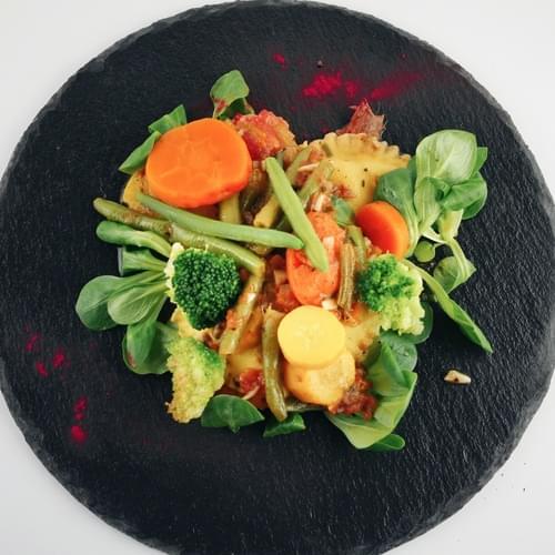 Равіолі з сиром і весняними овочами