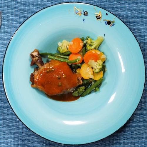 Качка з весняними овочами